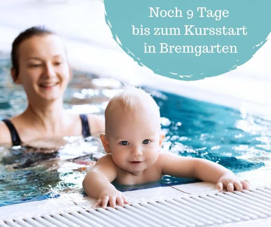Mami mit Baby im Schwimmkurs der Schwimmschule Graf