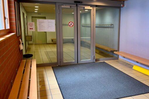 Verschlossene Türen wegen Covid-19