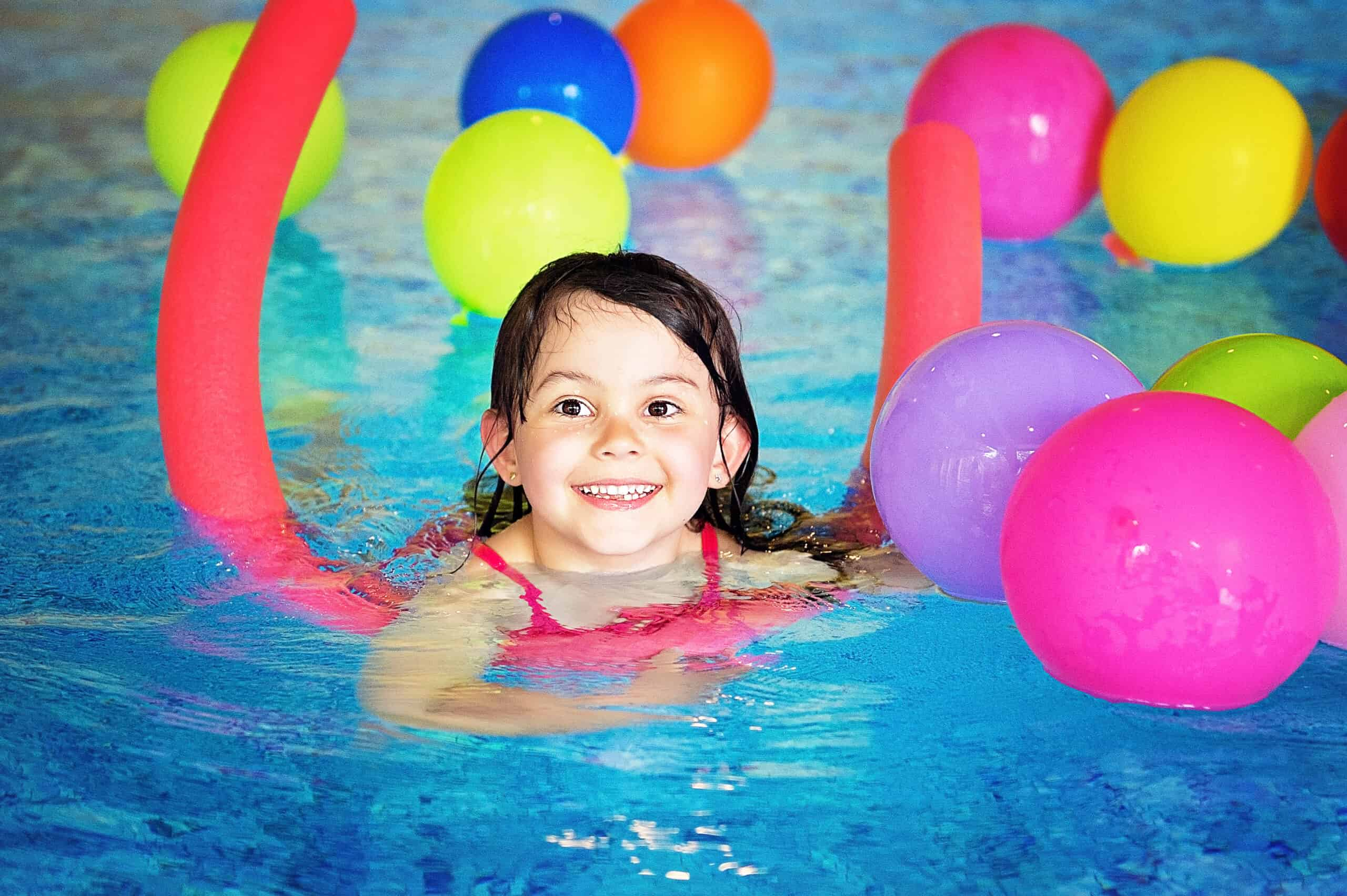 Kind lern schwimmen, Schwimmschule Graf